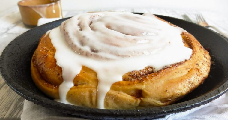 Giant Spelt Skillet Cinnamon Bun (lighter version)