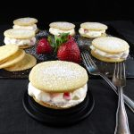 Spelt Vanilla Shortbread Cookies with Strawberries & Cream